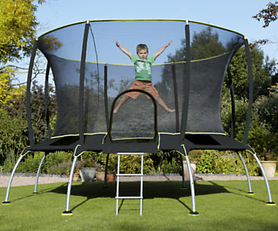 Kid's large trampoline with safety net