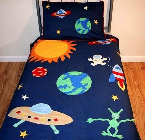Kid's space themed bedding set