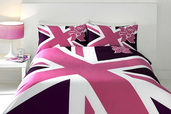 Kid's 2012 bedding with a pink Union Jack design