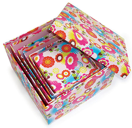 nest of 6 gift boxes with an exclusive tropical design