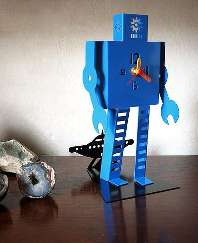Metal robot clock