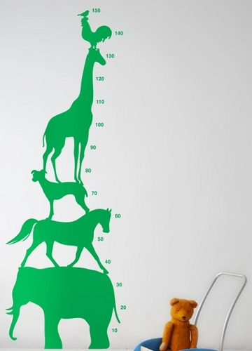 Combined wall sticker and height chart depicting a range of animals