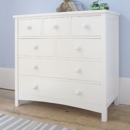 Child friendly chest of drawers in ivory-white painted poplar