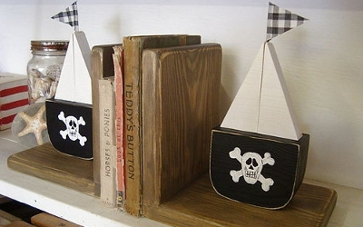 Pirate-Bookends
