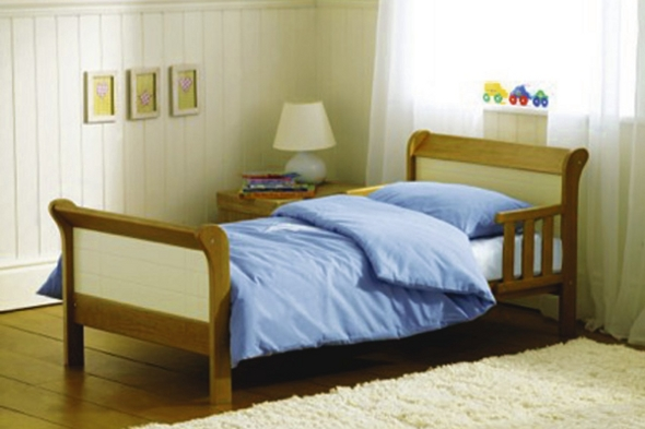 Modern sleigh style toddler bed
