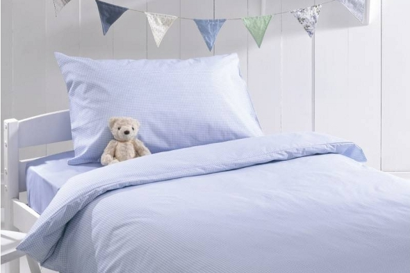 Blue gingham bedding set