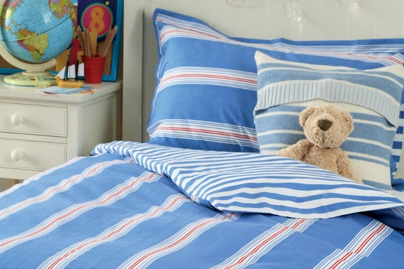 Boy's bed linen set with blue, white and red stripes
