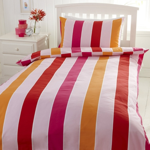 Girl's striped duvet set
