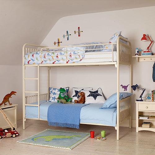 oliver bunk_cm